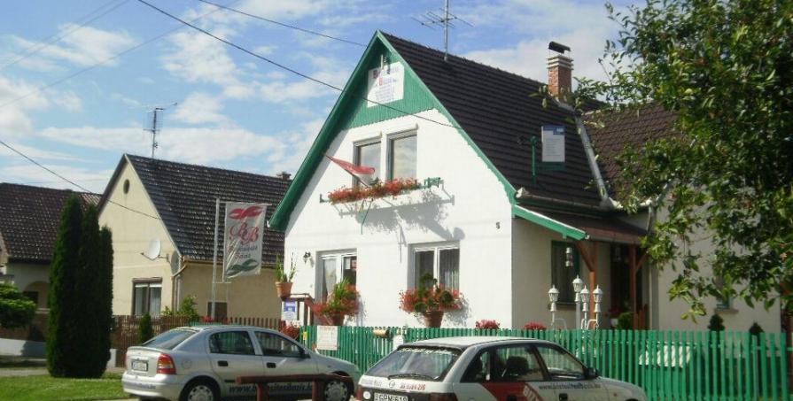 Kiskunfélegyháza - Kerekes Pál Biztosítási Bázis iroda